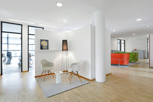 Arbeitsplätze auf rund 1400 m² für Sony Music in Berlin (© Entwurf und Planung conceptsued gmbh)