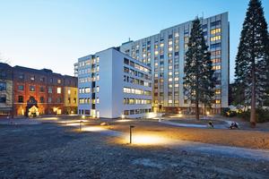 Evangelisches Krankenhaus Mülheim mit renoviertem Altbau und vorgelagertem Neubau