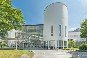 Das Kreiskrankenhaus Freiberg Akademisches Lehrkrankenhaus der TU Dresden, setzt auf die hermetischen M5-Automatiktüren von Kone