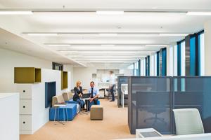 ZGS bietet Mietern des St Martin Towerhochwertige Lichtlösung für ihre Büroräume an. Neu ist, dass die acht Räume im Meeting-Center des St Martin Towers nun auch mit Präsenz-Sensoren ausgestattet und seit Kurzem an die Cloud angebunden sind
