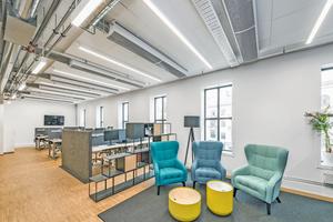 Statt der üblichen starren Raumaufteilung in standardisierte Büros und Meeting-Räume setzen  New-Work-Konzepte auf eine größere Vielfalt und flexiblere Nutzung der Büroflächen