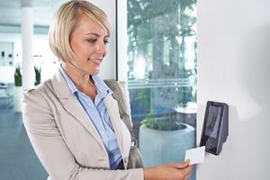 Über die Datenschnittstelle werden die gebuchten Daten unmittelbar in das SAP-System geladen und verarbeitet