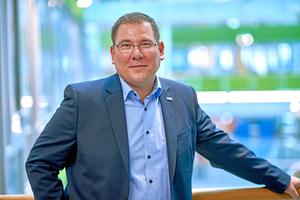 Der Leiter Reinigung & Infrastruktur bei Sodexo, Marc Mrotzek, erklärt, dass die Einführung von Tork EasyCube die Durchführung der Reinigungsservices effizienter gestaltet und die Kundenzufriedenheit erhöht hat