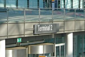 """<irspacing style=""""letter-spacing: 0em;"""">Der Vertrag zwischen der Dorfner Gruppe und der FMG Flughafen München GmbH sowie der Terminal 2 Gesellschaft läuft bis Ende März 2024 </irspacing>"""