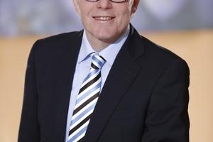 Der beratende Ingenieur und Professor für Immobilien-Lebenszyklus-Management und Facility Management an der FH Münster, Prof. Uwe Rotermund, leitet den GEFMA-Arbeitskreis Benchmarking