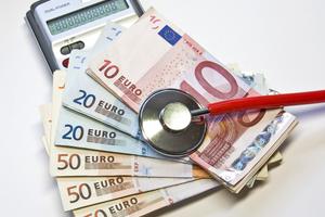 """Der finanzielle Druck in vielen Krankenhäusern ist enorm. Einen wesentlichen Beitrag zur Kosteneinsparung kann u.a. ein umfas<irspacing style=""""letter-spacing: -0.005em;"""">sendes Energiemanagement-System leisten</irspacing>"""