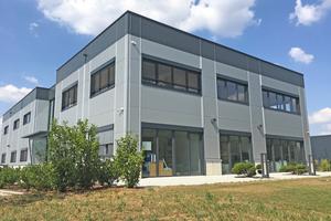 An ihrem Standort Bretzfeld hat die Reuko Systems GmbH & CO KG ein neues Bürogebäude errichtet, das mit einem intelligenten Energiemanagement ausgestattet ist
