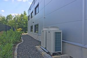 Das Unternehmen setzt für die Beheizung bzw. Kühlung auf zwei Zubadan City Multi Wärmepumpensysteme von Mitsubishi Electric