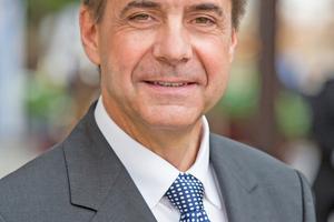 Prof. Dr. Markus Lehmann geht der Frage nach was die aktuellen Entwicklungen im High-Speed-Tempo für unsere Arbeitswelt und für <br />eine fundierte Bildung im Facility Management, bedeuten