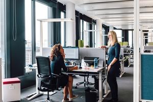 """Das """"Grid"""" bietet helle, lichtdurchflutete Büros mit intelligenter Raumautomation für 900 Mitarbeiter"""