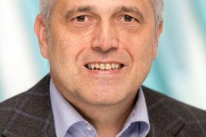 """Roland Lochmann, Sachverständiger und Produktmanager """"Umweltschutz und Messstellen"""" bei DEKRA"""