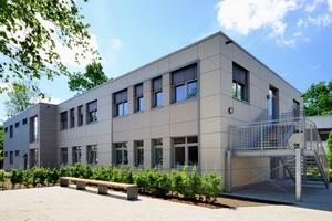 """<irspacing style=""""letter-spacing: 0em;"""">Auf dem Campus Haarentor ist ein neues modulares Gebäude für das Sprachenzentrum und den Psychologischen Beratungsservice der Universität realisiert worden</irspacing>"""
