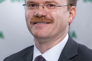 Dirk Blettermann, Fachbereichsleiter Aufzüge und Fahrtreppen bei Dekra