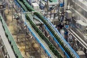 Der international agierende Schalterhersteller Kraus & Naimer beliefert die Grolsch Brauerei bereits seit über zehn Jahren mit seinen Produkten. Unter anderem wurden Reparaturschalter verbaut, um eine sichere Wartung der Anlagen gewährleisten zu können