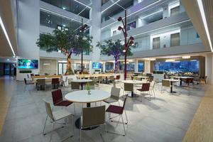 Blick in das Atrium des Connext-Campus