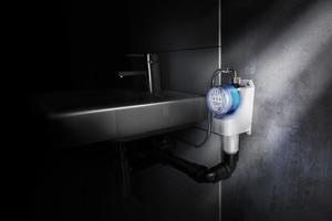 Eine Option für die Aufrechterhaltung des bestimmungsgemäßen Betriebs ist die Nachrüstung einer automatisierten Spüleinrichtung, wie etwa die Geberit Hygienespülung Rapid