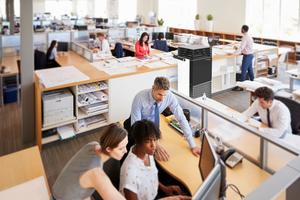 Die Luftfilterung bildet für Großraumbüros einen wichtigen Baustein im Hygiene-Konzept