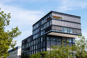"""<irfontsize style=""""font-size: 7.000000pt;"""">Außenansicht des Gebäudes der Firma</irfontsize><irfontsize style=""""font-size: 7.000000pt;"""">Visteon in Karlsruhe</irfontsize>"""