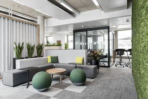 Sämtliche Büroflächen sind mit den Teppichfliesen ausgestattet, denn die Vorteile gegenüber Bahnenware waren ein ausschlaggebenes Argument