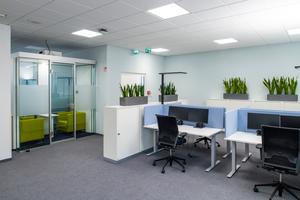 Die vier Büroetagen mit einer Bruttogeschossfläche von jeweils rund 400 m² sind als Open Spaces organisiert, auf denen unterschiedliche Arbeitslandschaften angeordnet werden können