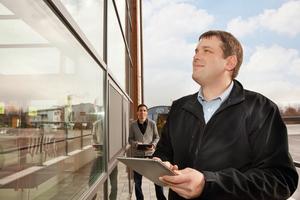 Wird das Reinigungsmanagement klug digitalisiert, entsteht dadurch eine bessere Performance im Unternehmen, die zu höheren Erlösen führt.