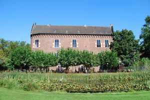 Auch das Schloß wird von den Stadtbetriebe Grevenbroich betrieben