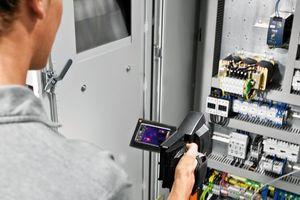 Einige Versicherungen schreiben ihren Kunden sogar regelmäßige thermografische Untersuchungen der versicherten Anlagen vor