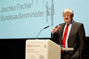 """Allein der Vortrag """"Energiewende in Deutschland – Vorbild oder Fluch für die Wirtschaft"""" des Bundesaußenministers a. D.Joschka Fischer zog rund 800 Zuhörer an"""