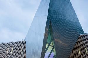 Das Westside wurde von Star-Architekt<br />Daniel Libeskind entworfen und seine Handschrift zeigt sich in vielen Gebäudedetails<br />