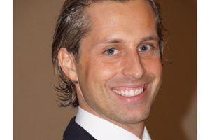 Dr. Sebastian Sigle ist Geschäftsführer des DEKRA Unternehmens UPDOWN
