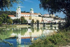 Mehrere hundert Waschräume, verteilt auf über 40 Gebäude in acht Stadtteilen: Um die Kosten und den Aufwand für die Bewirtschaftung der kommunalen Waschräume zu senken, stellt <br />man in Passau sämtliche Waschräume auf <br />Produkte nur eines Herstellers um