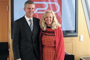 Vorstandsvorsitzender Dirk Brouwers und Stiftungsratsvorsitzende Catherine v. Fürstenberg-Dussmann