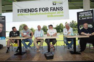 v.l. Dennis Diekmann (ambrosia compliance & services), Ansgar Brinkmann, Michael Rummenigge, Ole Slink (Moderation), Uwe Rapolder, Reiner Calmund