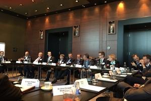 Die öffentliche Sitzung der Deklanranten Runde am Vortag des Nutzerkongresses