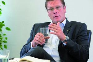 Manfred Schmitz, Geschäftsführer der Axima Deutschland GmbH