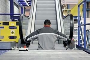 Eine Wartungseinheit beinhaltet die vollständige Überprüfung von Stufen und Stufenband, Steuerung, Handläufen sowie aller Sicherheits- und Schalteinrichtungen<br />