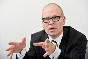 """Dr.-Ing. Markus Mönig (Geschäftsführer der RWE ED): """"Die individuellen Bedarfe der Kunden sind je nach Zielgruppe sehr unterschiedlich und lassen sich über standardisierte Konzepte und Verträge nicht ausreichend abbilden.""""<br />"""