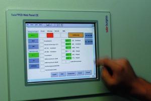 """Die Gebäudetechnik kann über Touchpanel (""""PCD Web Panel CE"""" von Saia Burgess) kontrolliert und gesteuert werden<br />"""