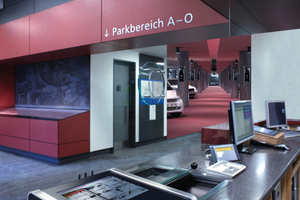 Ladestationen können mit einem zentralen E-Mobility-Leitstand als Backend vernetzt werden. Von dort können die einzelnen Ladepunkte automatisch oder manuell freigegeben und überwacht werden