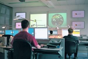 In abgeschirmten IT-Sicherheitszentren werden die weltweiten Aktivitäten von Schadprogrammen beobachtet<br />