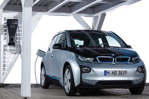 Die BMW Group ist mitdem BMW i Vorreiter in der Elektromobilität und stellt mit ChargeNow den weltweit größten Service für den Zugang und die Nutzung von öffentlicher Ladeinfrastruktur