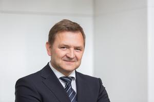 """""""Wir verbinden den Nutzer durch digitale Lösungen und mobile Apps mit """"seinem"""" Aufzug und bieten damit ein individuelles Erlebnis """" sagt Udo Hoffmann, Vorsitzender der Geschäftsführung Otis Deutschland."""