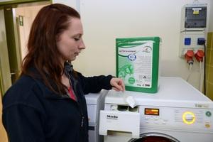 Fette und Öle stellen eine Herausforderung beim Waschen der Moppe dar