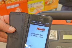 Alle Maschinen besitzen einen QR-Code, der mit dem Smartphone oder Tablet eingelesen wird