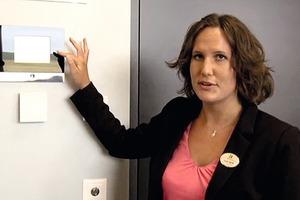 """Yvonne Oberföll, Leiterin des Konferenz-Centers Holiday Inn im Westside: """"Durch die neue Technik ergeben sich viel weniger Fragen zur Bedienung, dies entlastet unser Personal"""""""