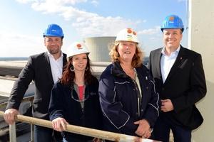 Die Tereg-Mitarbeiter Manuel Wessel, Mary Fliegel und Katrin Lillge sowie Dennis Senkpaul von Werner & Mertz Professional (v.l.) setzen das eigens für das Kohlekraftwerk entwickelte Nachhaltigkeitskonzept erfolgreich um