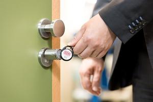 An den fast 700 Türen im Haupthaus sind sowohl mechanische als auch elektronische Zylinder eingebaut