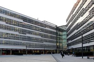 Sicherheitstechnisch ist jedes Gebäude so ausgestattet, dass es jederzeit auch separat betrieben werden kann